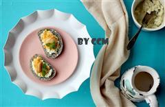 营养早餐鹌鹑蛋鱼松沙拉黑芝麻馒头片