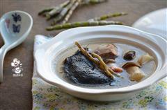石斛松茸乌鸡汤-滋补而不燥的养生汤