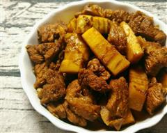 冬笋红烧肉-焦糖笋肉