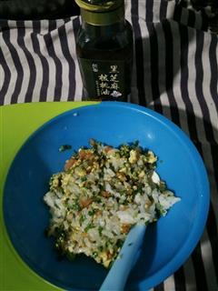 蔬菜鸡蛋炒饭