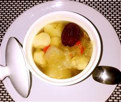 红枣马蹄雪梨银耳汤