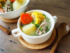 玉米胡萝卜土豆排骨汤