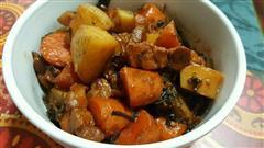 土豆胡萝卜梅干菜红烧肉