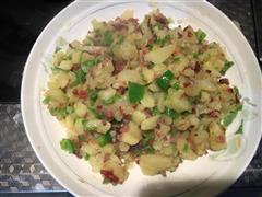 青椒腊肉土豆泥