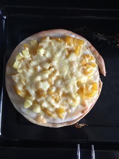 菠萝黄桃披萨
