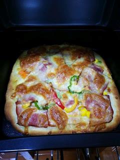 肉香满溢披萨