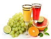 鲜榨果汁如何饮用才正确