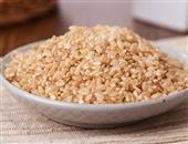 多吃糙米蔬菜可防夏季皮肤过敏