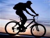 骑自行车(中等速度,19.3-22.4千米/小时)