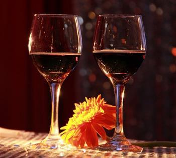 防止中风:不妨小酌些红酒