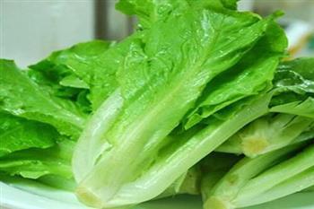 预防痘痘吃点生菜苦瓜沙拉