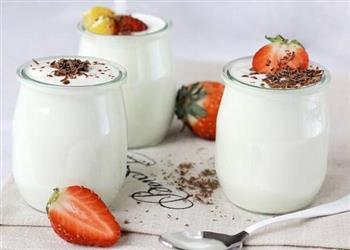 喝酸奶可缓解花粉过敏