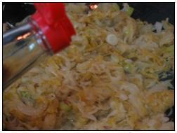 酸菜炖排骨的做法图解7