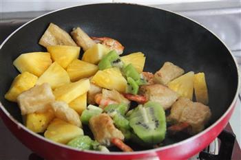 菠萝油条虾的做法步骤11