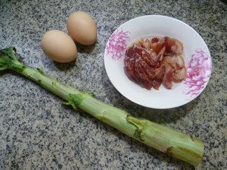 莴笋腊肉炒鸡蛋的做法步骤1