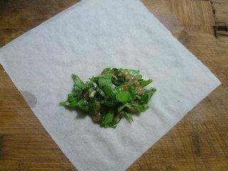 芹菜叶肉馅春卷的做法图解10