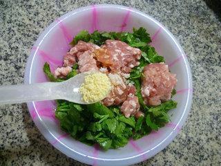 芹菜叶肉馅春卷的做法图解7