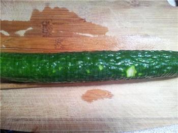 蓑衣黄瓜的做法步骤2