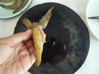 可乐烧虾的做法图解2