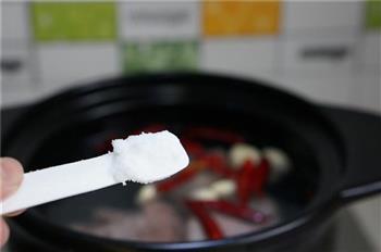 莲藕卤牛肉的做法图解4