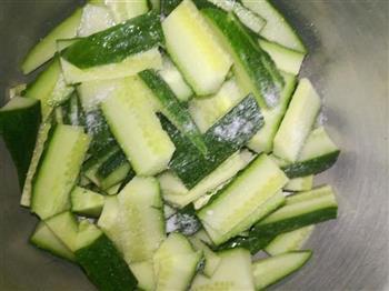 香辣拌黄瓜的做法图解2