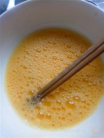 香椿配蒸蛋的做法图解2