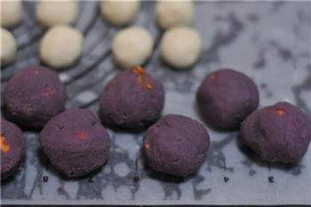 紫薯蛋黄酥的做法图解10