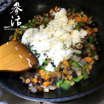 海参炒饭的做法图解4