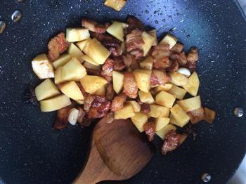 土豆红烧肉的做法图解5