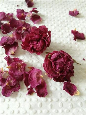 玫瑰花乳酪戚风的做法图解1