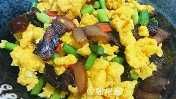 蒜苔腊肉炒鸡蛋的做法图解23
