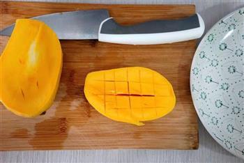 芒果果酱-豆浆机版的做法图解2