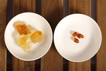 桃胶炖奶的做法图解4