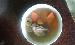 青橄榄红萝卜骨头汤