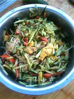 凉拌黄瓜金针菇