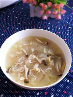 蟹味菇虾皮冬瓜汤