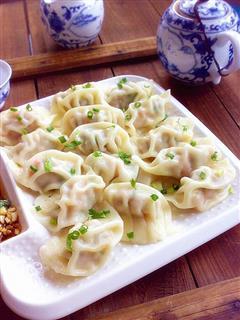 彩椒鲜肉饺子