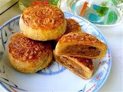 香酥五仁杏脯月饼