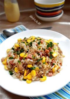 玉米沙拉酱炒饭
