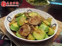 西葫芦炒鱼饼