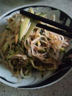芝麻酱凉拌黄瓜豆芽菜