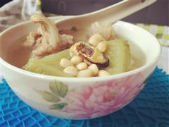 苦瓜黄豆骨头汤