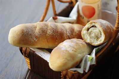 核仁葡萄干全麦面包
