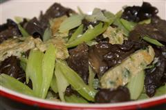 炒鲮鱼肉饼
