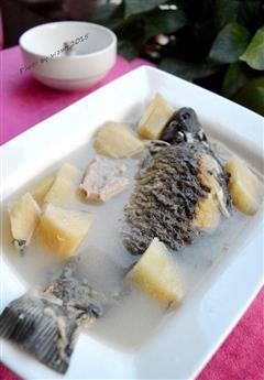 粉葛鲫鱼汤