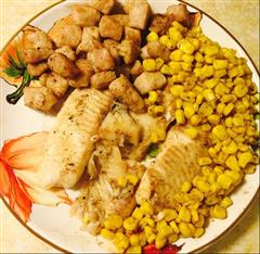 烤鱼片配猪肉玉米粒