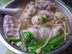 紫包菜肉馅饺子
