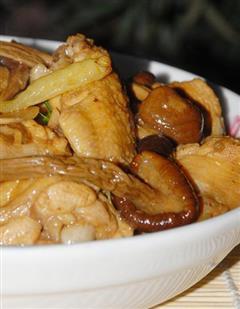 茶树菇烧鸡翅