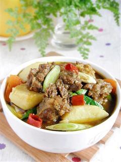 咖喱牛肉煲