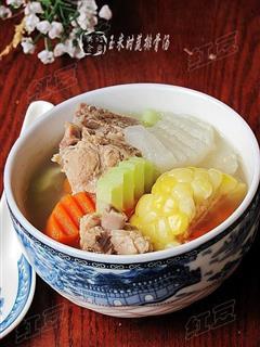 玉米时蔬排骨汤